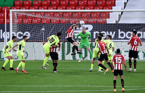 Martinez header deals Atletico Madrid huge blow in title race