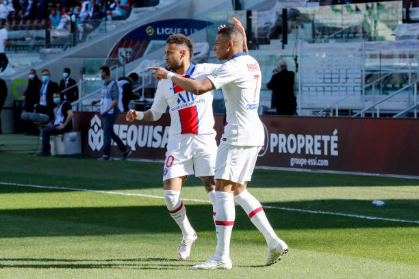 Kylian Mbappe and Neymar in Ligue 1 action for PSG